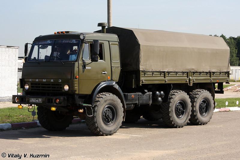 А для перевозки личного состава используют КАМАЗ-43114 (KAMAZ-43114)