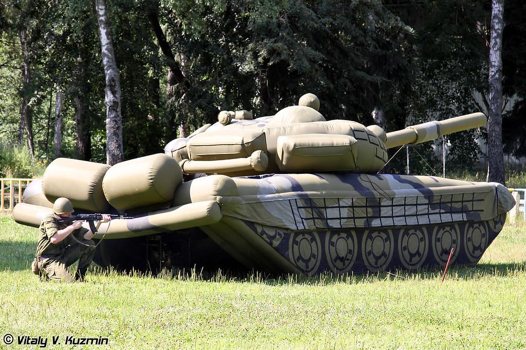 Макет Т-72 (T-72 dummy tank)