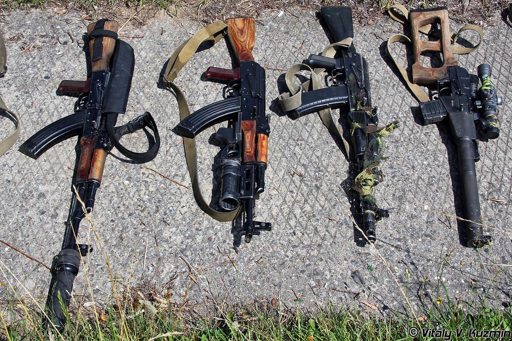 ВСС Винторез, АК-74, АКМ с подствольным гранатометом ГП-25, АКМН с ПБС (VSS Vintorez, AK-74, AKM with GP-25, AKMN with PBS)