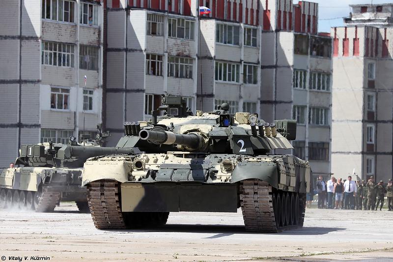 Танковый балет в исполнении Т-80У (Tank ballet with T-80U)