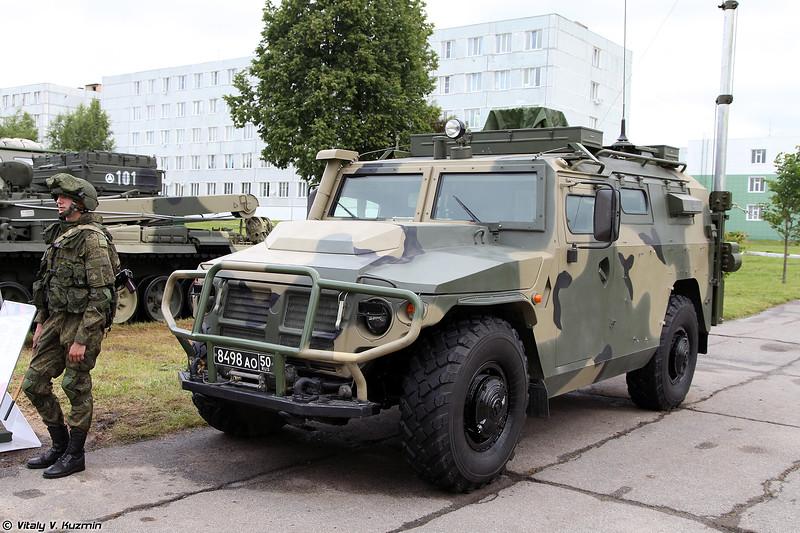 Неопознанная модификация КШМ на базе АМН 233114 Тигр-М (Unknown modification of command and signal vehicle on AMN 233114 Tigr-M base)