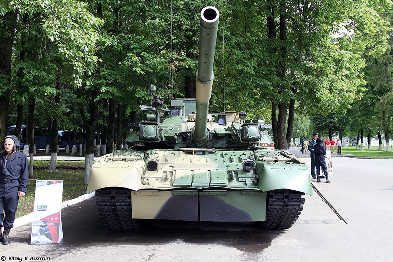 Танк Т-80УК (T-80UK main battle tank)