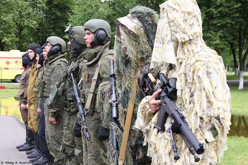 Примеры экипировки военнослужащих со времен ВОВ (Examples of equipment since WW2)