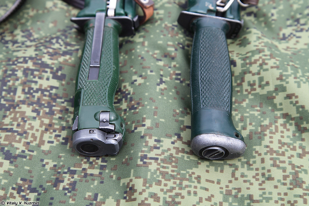 Нож разведчика специальный НРС 6П25 и нож разведчика НР-2 (NRS 6P25 special scout knife and NR-2 scout knife)