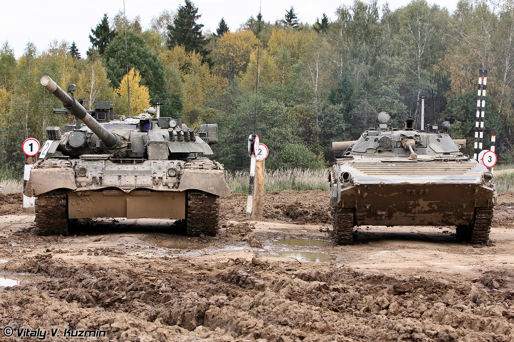 Т-80У и БМП-2 (T-80U and BMP-2 )