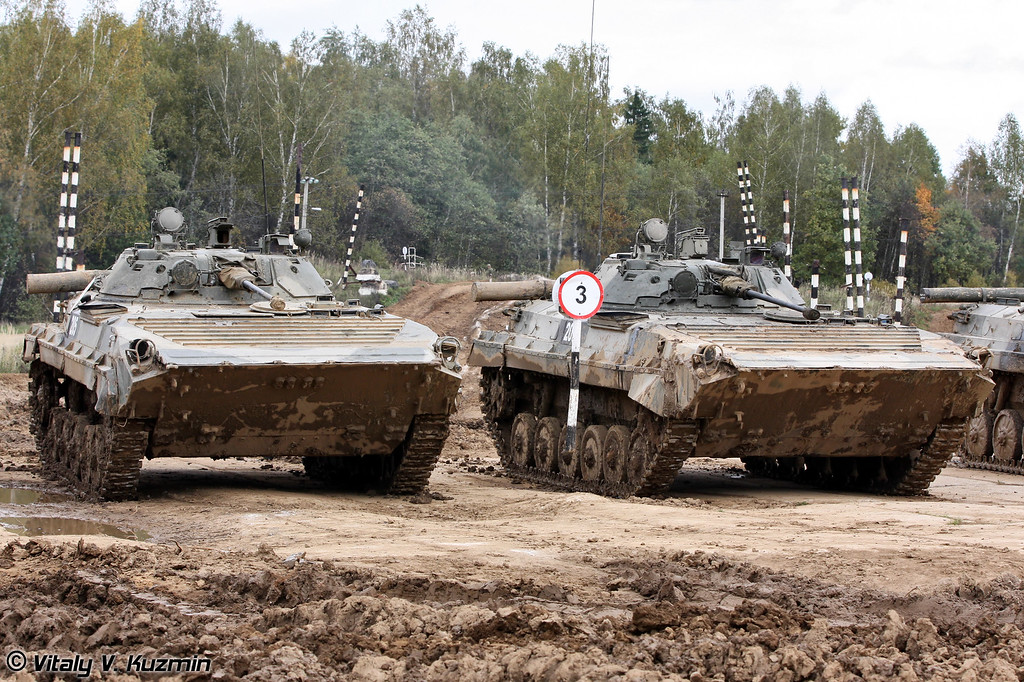 БМП-2 4-й гвардейской Кантемировской танковой дивизии (BMP-2 IFVs of 4th Guards Kantemirovskaya Tank Division)