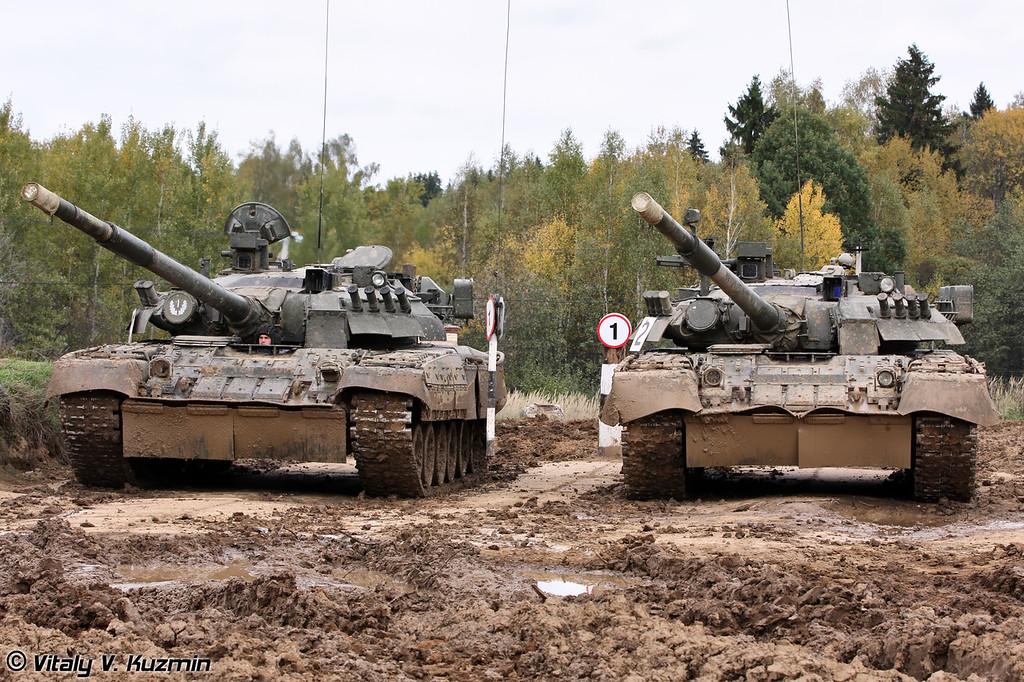 Танки Т-80У 4-й гвардейской Кантемировской танковой дивизии (T-80U main battle tanks of 4th Guards Kantemirovskaya Tank Division)