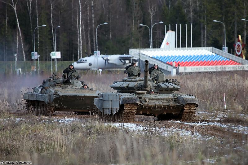Т-72Б3 образца 2016 г. и БМП-2 (T-72B3 mod. 2016 and BMP-2)