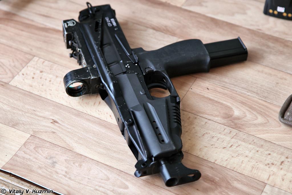 9-мм пистолет-пулемет СР2МП (SR2MP submachine-gun)
