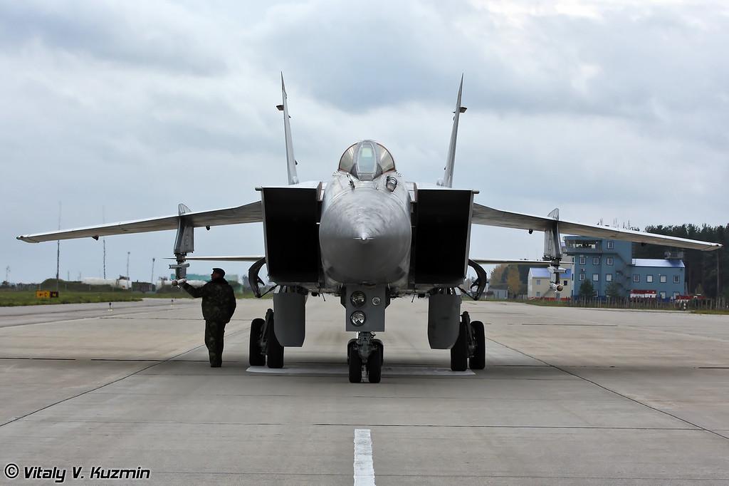 МиГ-31 бортовой номер 57 Красный (MiG-31 57 Red)