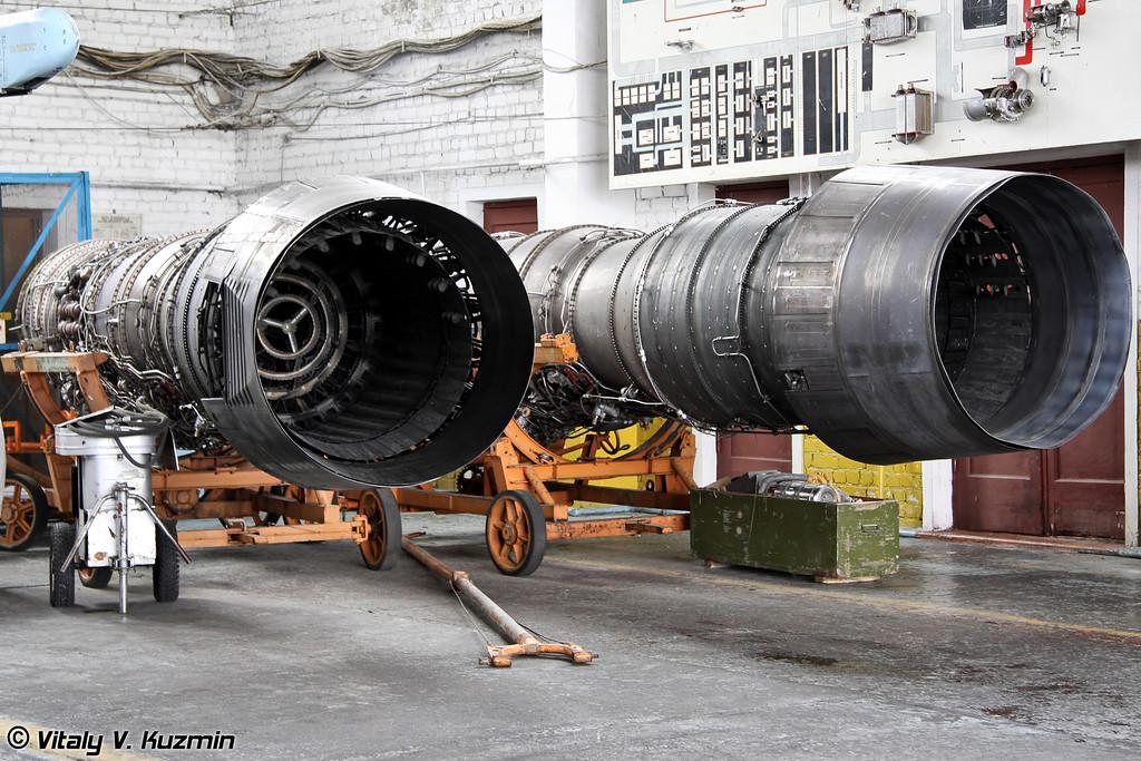 Демонтированные двигатели Д-30Ф6 (Unmounted D-30F6 engines)