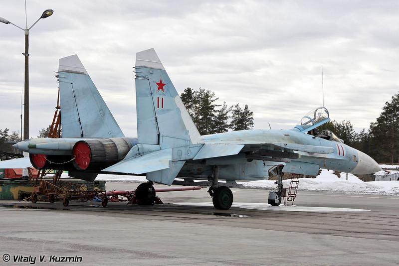 Су-27 бортовой номер 11 Красный (Su-27 11 Red)