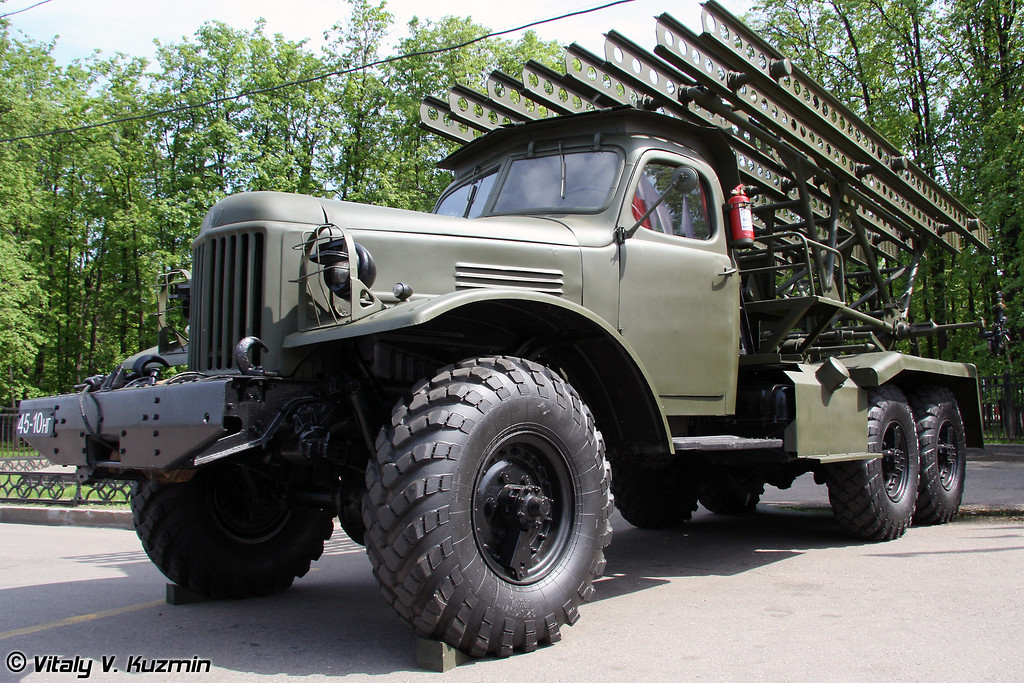 БМ-13 на шасси ЗиЛ-157 (BM-13 on ZiL-157 chassis)