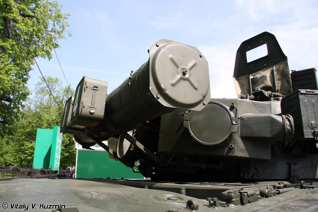 Основной боевой танк Т-80БВ (T-80BV main battle tank)