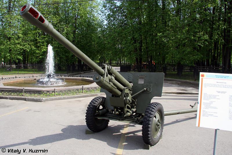 76-мм дивизионная пушка образца 1942 года ЗИС-3 (76-mm divisional gun M1942 ZIS-3)