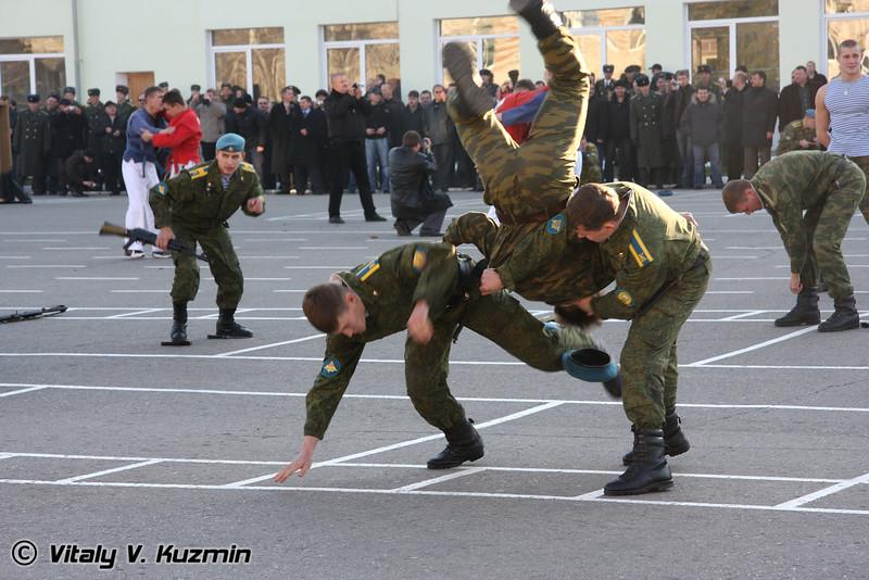 Показательные выступления курсантов РВВДКУ по рукопашному бою (Hand-to-hand combat skills show)