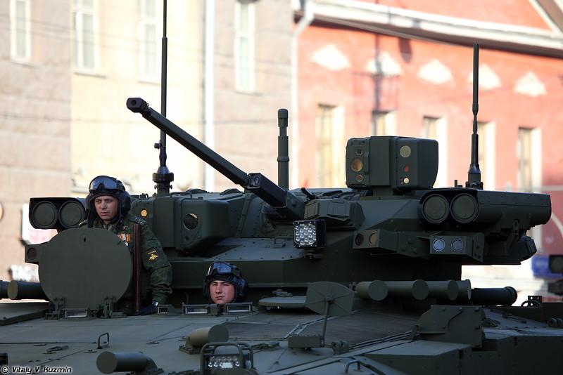 Боевая машина пехоты объект 695 на средней гусеничной унифицированной платформе Курганец-25 (Infantry fighting vehicle object 695 on medium unified tracked platform Kurganets-25)