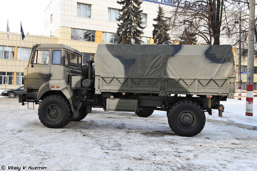 Бескапотный вариант Урал-43206 (Ural-43206 variant without the hood)