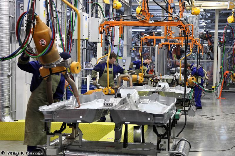Новый цех сварки кузовов автомобилей Skoda и Volkswagen (Skoda and Volkswagen bodies welding shop at GAZ plant)