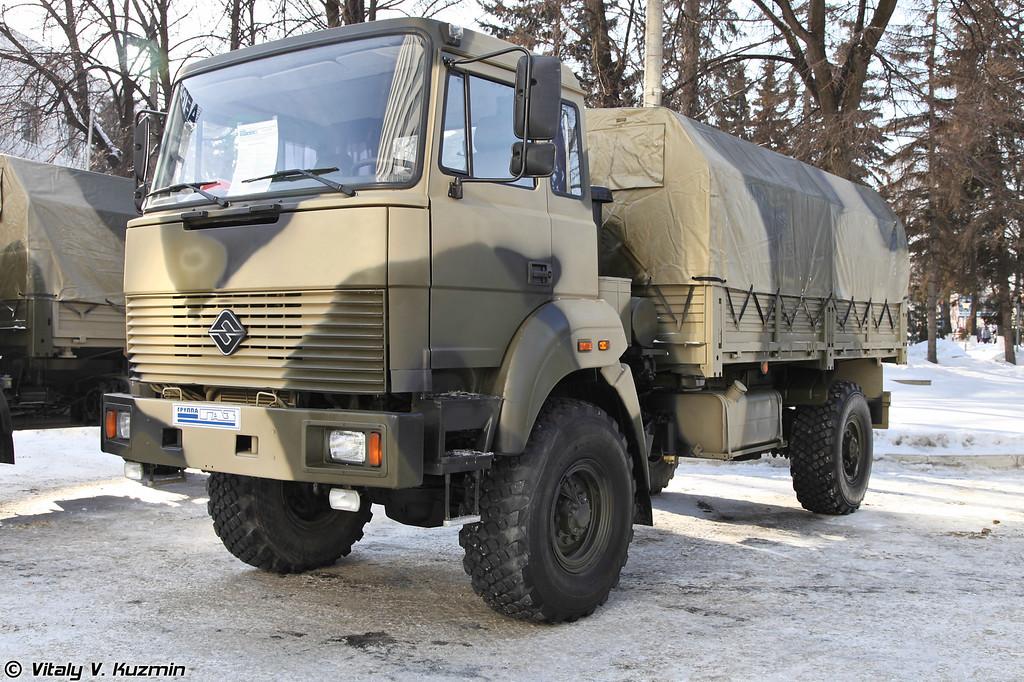 Бескапотный вариант Урал-43206 (Ural-43206 variant without the hood)