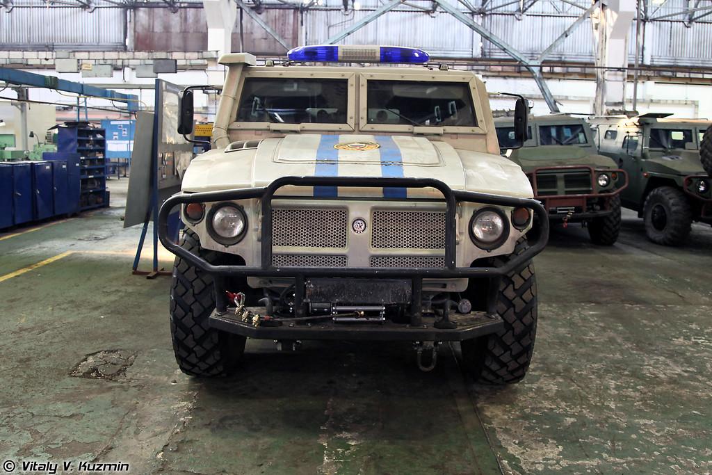 ГАЗ-233036 СПМ-2 одного из подразделений ОМОН на гарантийном ремонте (GAZ-233036 SPM-2 police vehicle on warranty repair)