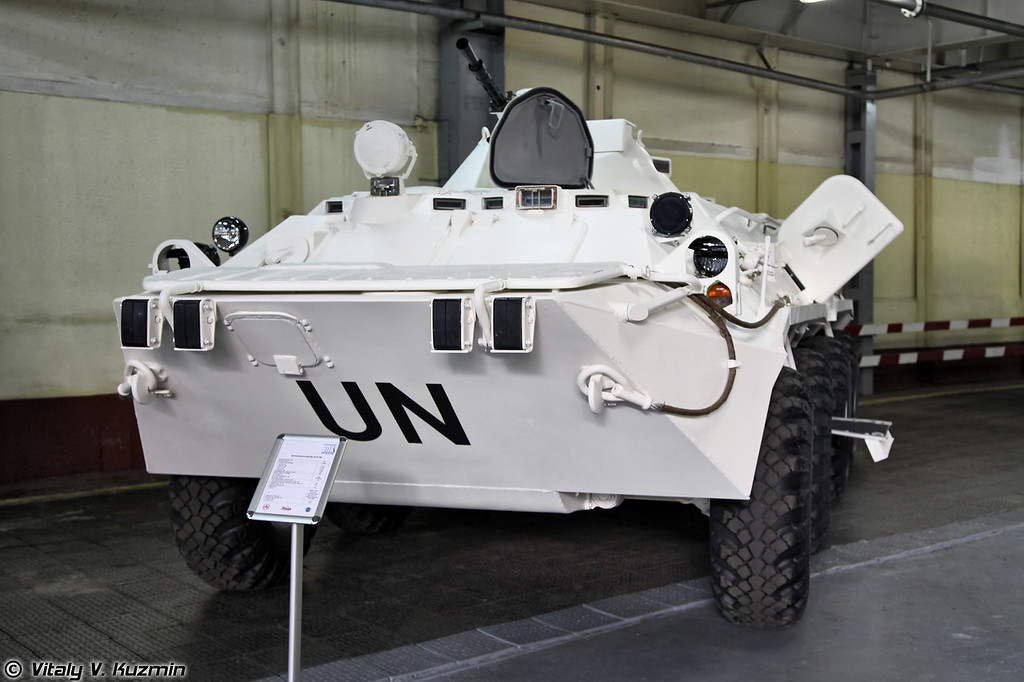 Бронетранспортер БТР-80 для поставок по линии ООН (BTR-80 assembling for UN)