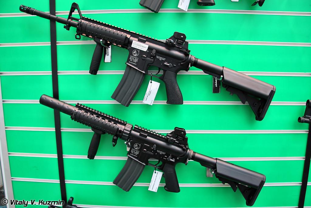 На выставке было большее количество оружия для Страйкбола. М4А1 (There were a lot of airsoft guns. M4A1)