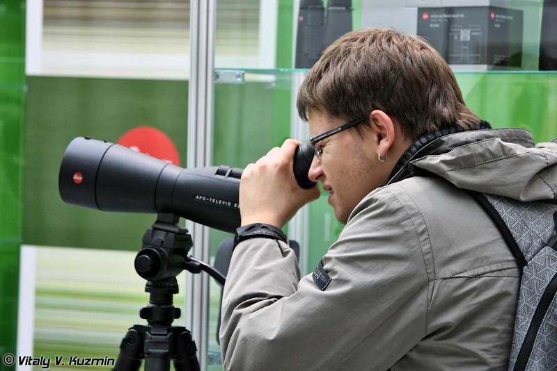 Leica также присутствовала (Leica optics)