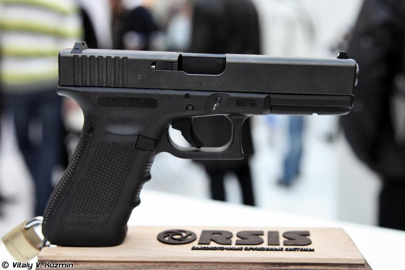 Вся линейка Глоков, собираемых по лицензии на мощностях ORSIS 9x19 Glock 17 (The full line of Glocks assembled in Russia at ORSIS factory)