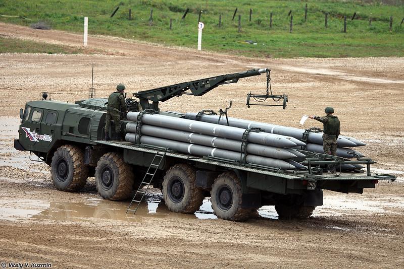Транспортно-заряжающая машина 9Т234-2 РСЗО 9К58 Смерч (9T234-2 transporter-loader of 9K58 / BM-30 Smerch MLRS)