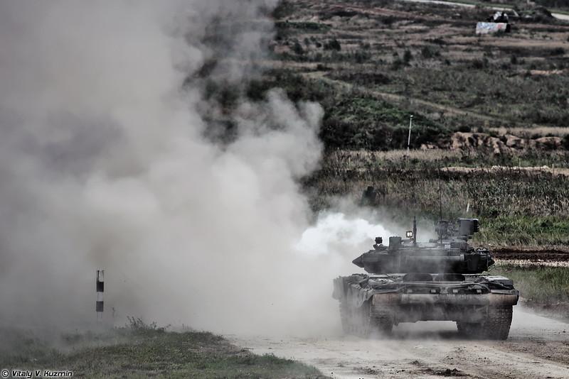 Стрельба Т-90А (T-90A main battle tank firing)