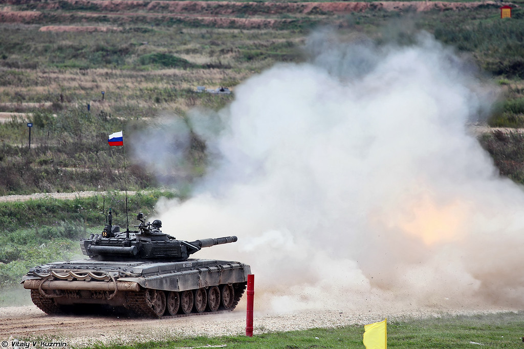 Стрельба Т-72Б3 (T-72B3 main battle tank firing)