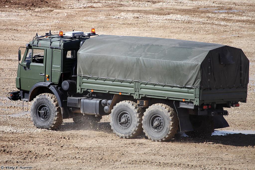 Беспилотный КАМАЗ-5350 Авторобот (KAMAZ-5350 Avtorobot unmanned vehicle)