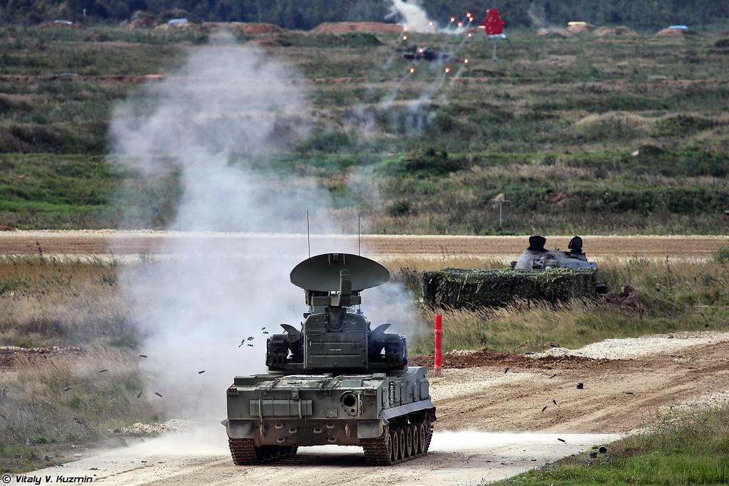 Стрельба 2С6М1 ЗРПК 2К22М1 Тунгуска-М1 (2K22M1 Tunguska-M1 firing)
