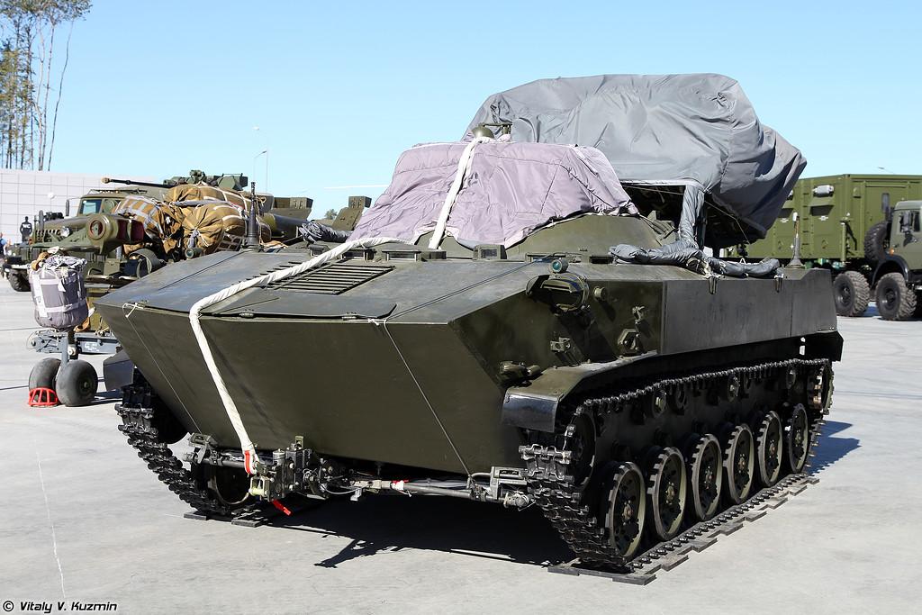 Машина управления огнем артиллерии 1В119 Реостат (1V119 Reostat artillery command and control vehicle)