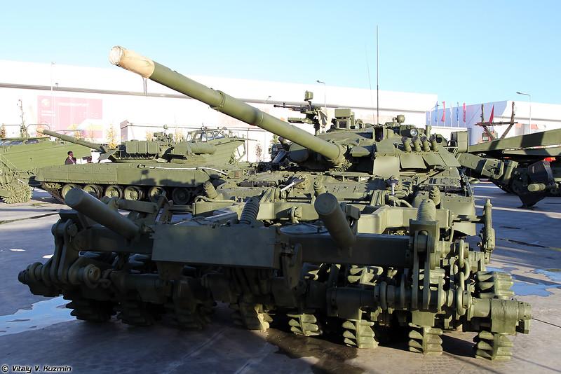 Т-80У и минный трал ТМТ-С (T-80U and TMT-S mine plow)