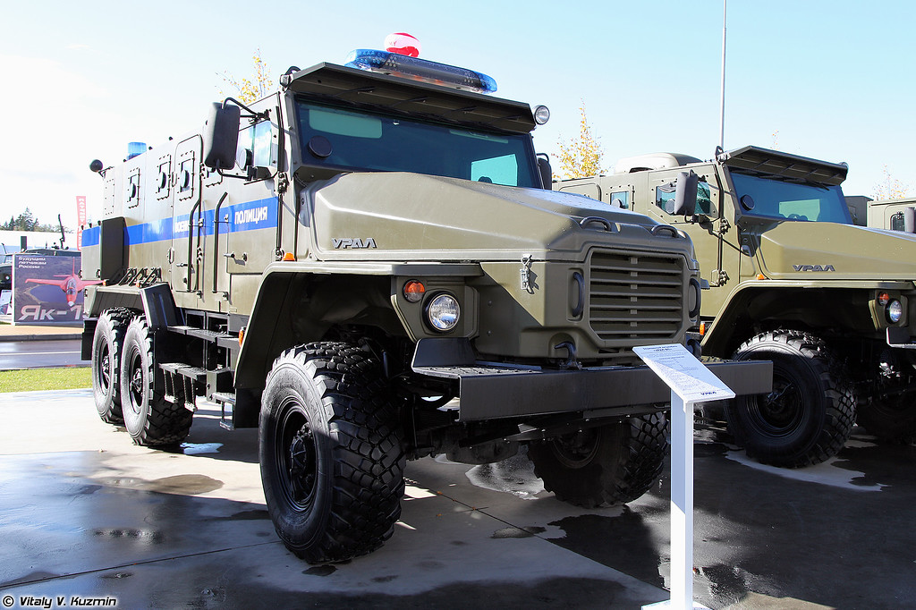 Бронеавтомобиль Урал-432009 Урал-ВП (Ural-432009 Ural-VP armored vehicle for Military police)