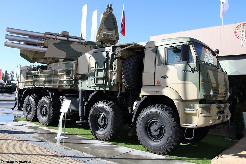 ЗРПК 96К6 Панцирь-С1с новой СОЦ, иногда эту БМ называют Панцирь-С2, однако официального подтверждения нет (96K6 Pantsir-S1 with new radar, sometimes this vehicles is called Pantsir-S2, but there is still no official confirmation)