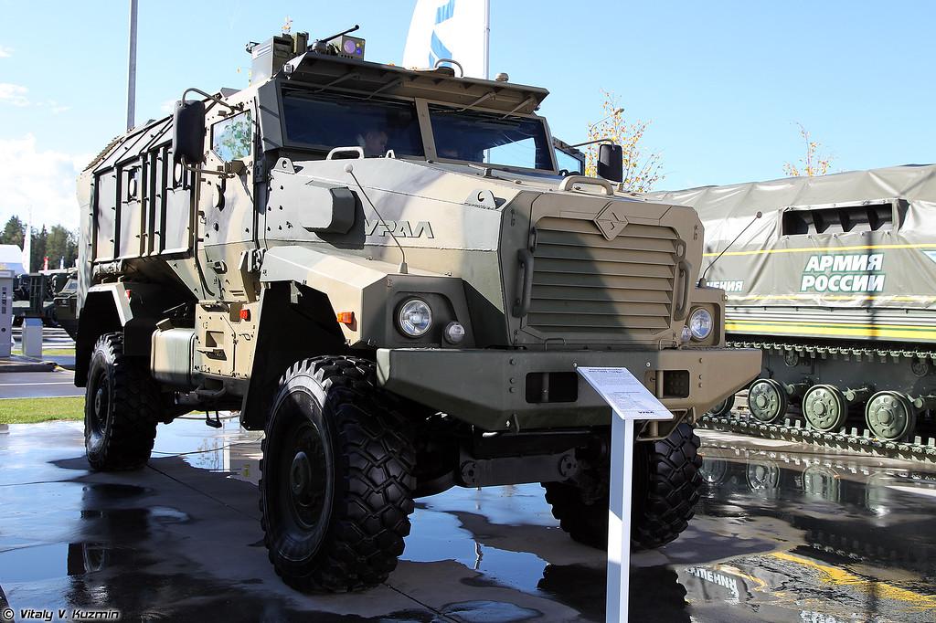 Защищенный автомобиль Урал-53099 Тайфун-У (Ural-53099 Typhoon-U)
