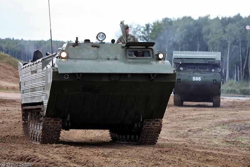Плавающий транспортер ПТС-2 (PTS-2 amphibious carrier)