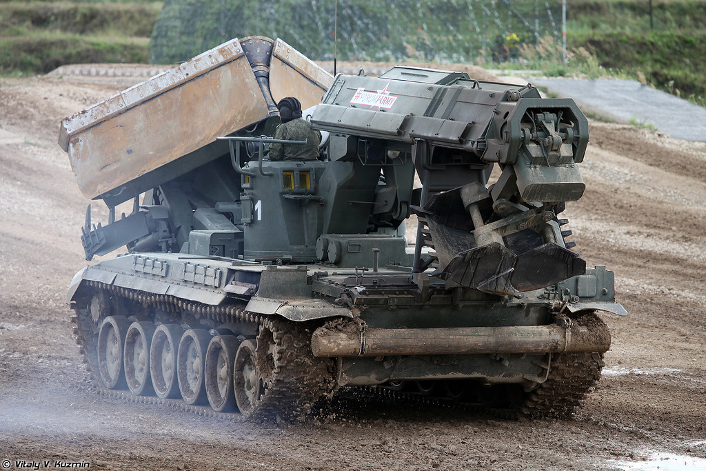 Инженерная машина разграждения ИМР-2М (IMR-2M obstacle clearing vehicle)