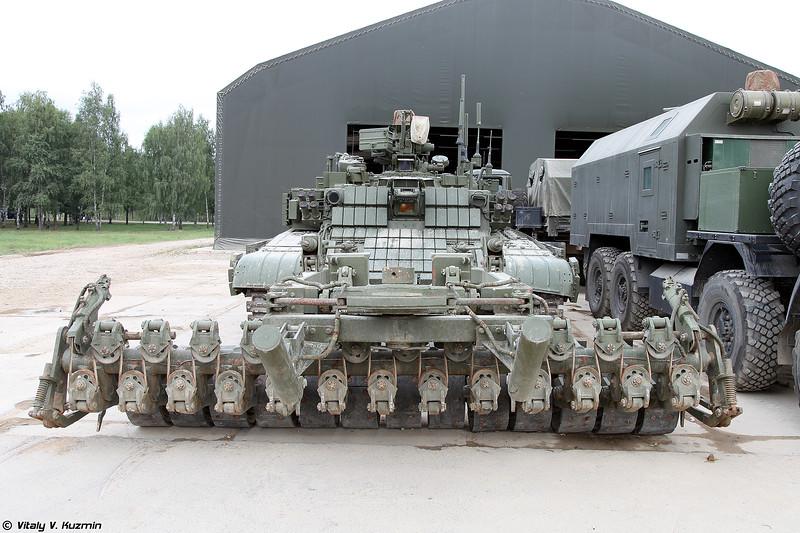 Робототехнический комплекс разминирования Проход-1 на базе БМР-3МА (Prokhod-1 mine clearing unmanned ground vehicle on BMR-3MA base)