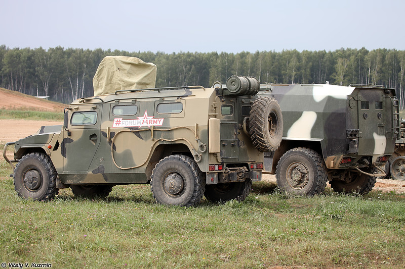 АМН 233114 Тигр-М и МЗКТ-490100 (AMN 233114 Tigr-M and MZKT-490100)