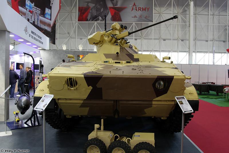 Робототехнический комплекс Вихрь (Vikhr reconnaissance-assault unmanned ground vehicle on BMP-3 chassis)