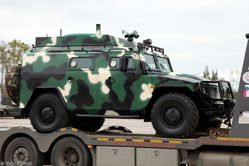 Машина связи Тигр-УС (Tigr-US signal vehicle)