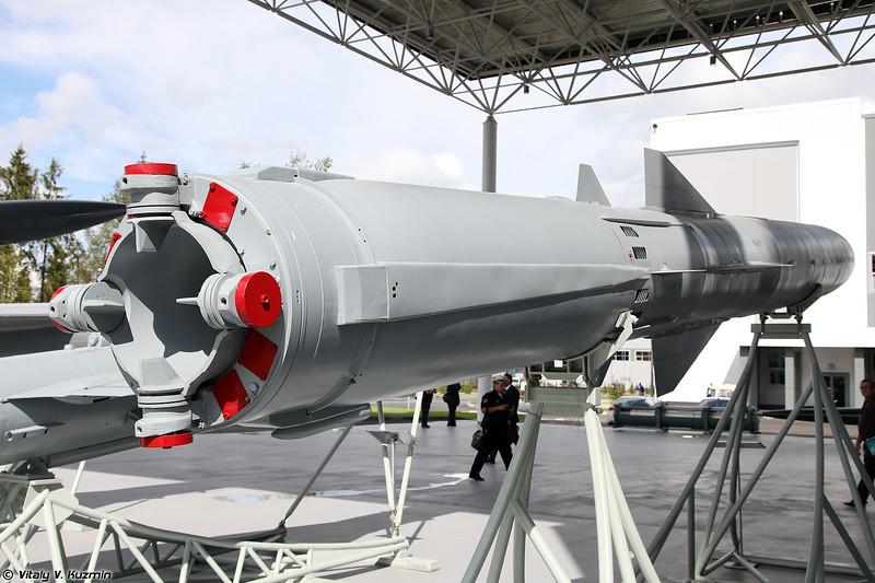 Противокорабельная ракета П-800 3М55 Оникс / Яхонт (P-800 3M55 Oniks / Yakhont anti-ship cruise missile)