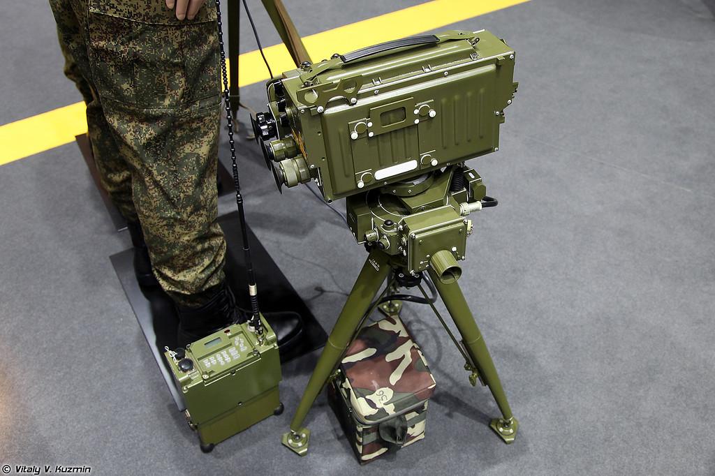 Лазерный целеуказатель-дальномер ЛЦД-4 (LTsD-4 laser range-finder)