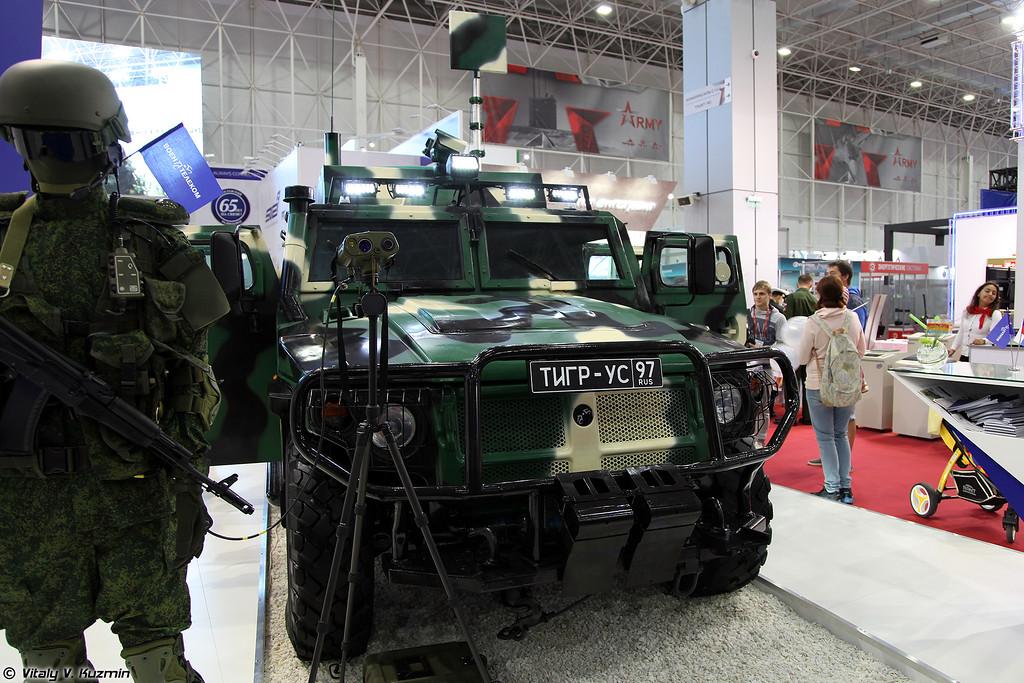 Машина связи Тигр-УС (Tigr-US signal vehicle)