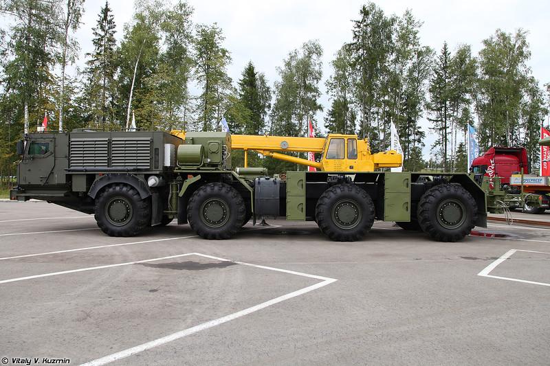 Транспортно-установочный агрегат переходника 15Т528 на шасси КАМАЗ-78501 Платформа-О (15T528 transporter-loader for ICBMs on KAMAZ-78501 Platforma-O chassis)