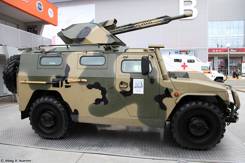 Бронированная разведывательно-штурмовая машина Тигр-М БРШМ (Tigr-M BRShM armored reconnaissance assault vehicle)
